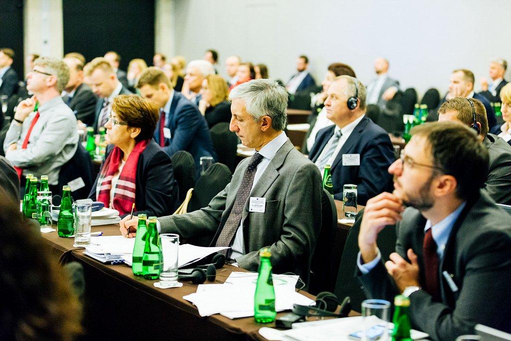 Guido Castellano and participants following presentations