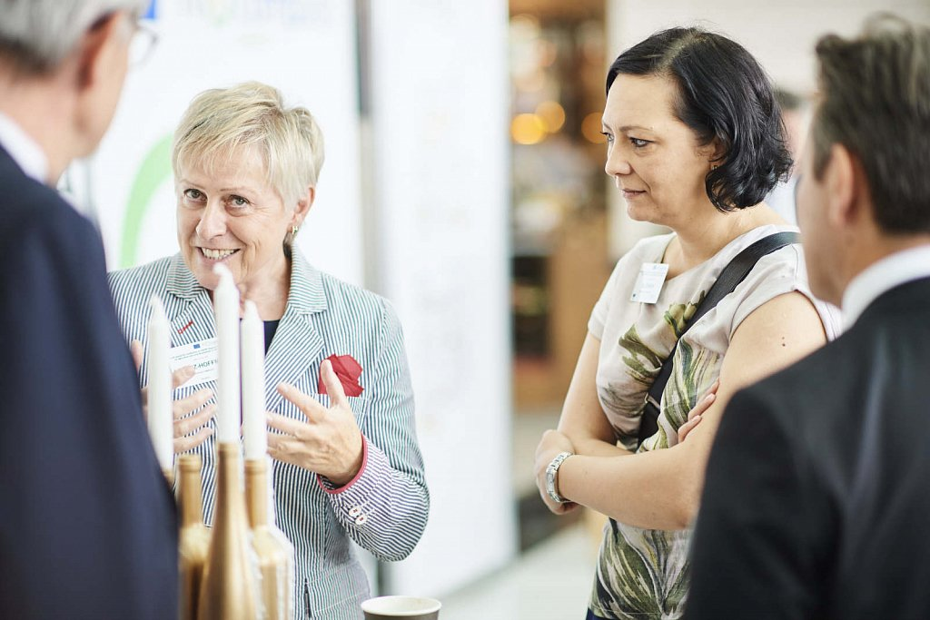 Ms Josefine Loriz-Hoffmann, Ms Anna Zurek and event participants